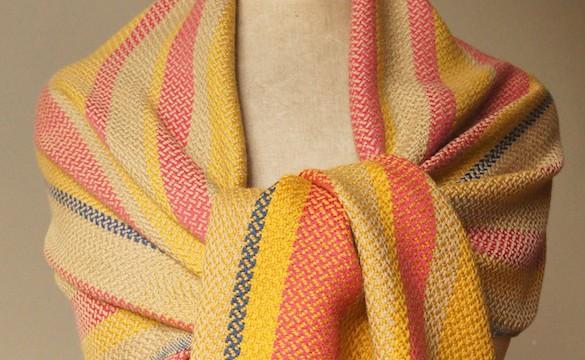 Shawl merino - twill variation red-yellow-cream